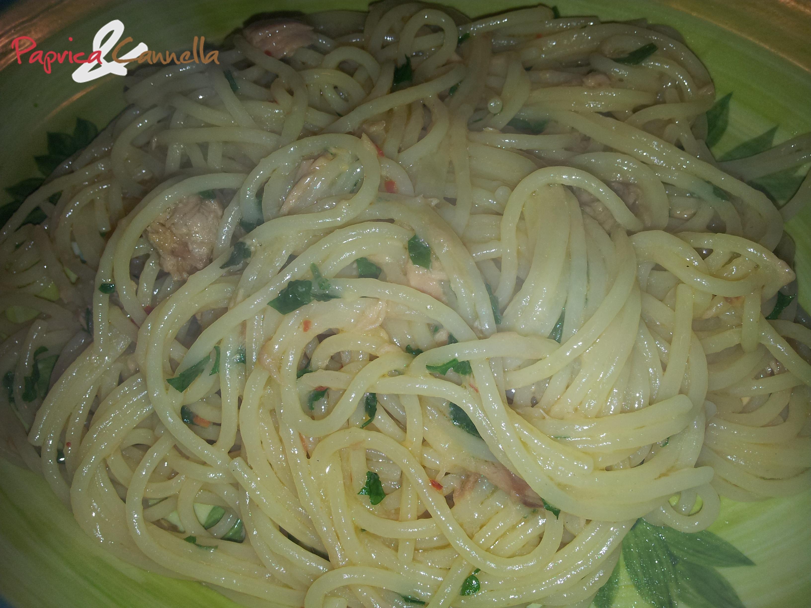 Spaghetti al tonno profumati al limone