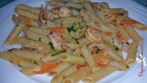 pasta zucchine e gamberetti - paprica e cannella