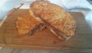 pane fritto con uovo paprica e cannella