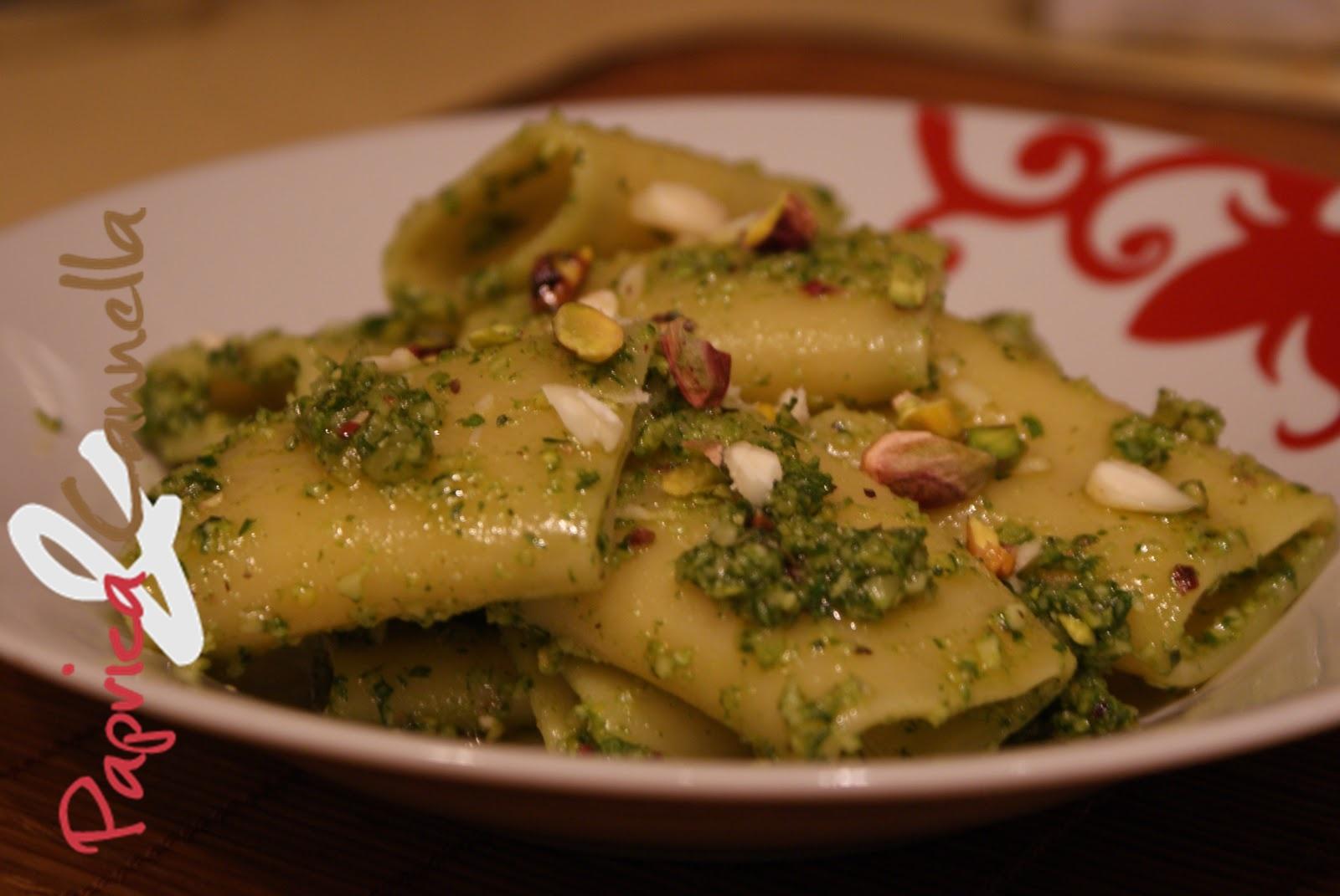 Paccheri alla crema di pistacchio, ricetta last minute per un frigo vuoto